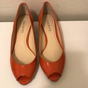 Talbots patent leather low heel shoes size 8